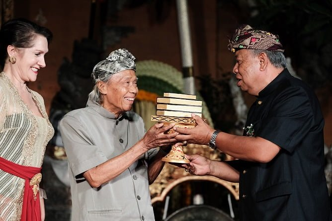 Lifetime Achievement Award UWRF, Photo : Anggara Mahendra - 20191023 - Puri Ubud - Gala Opening