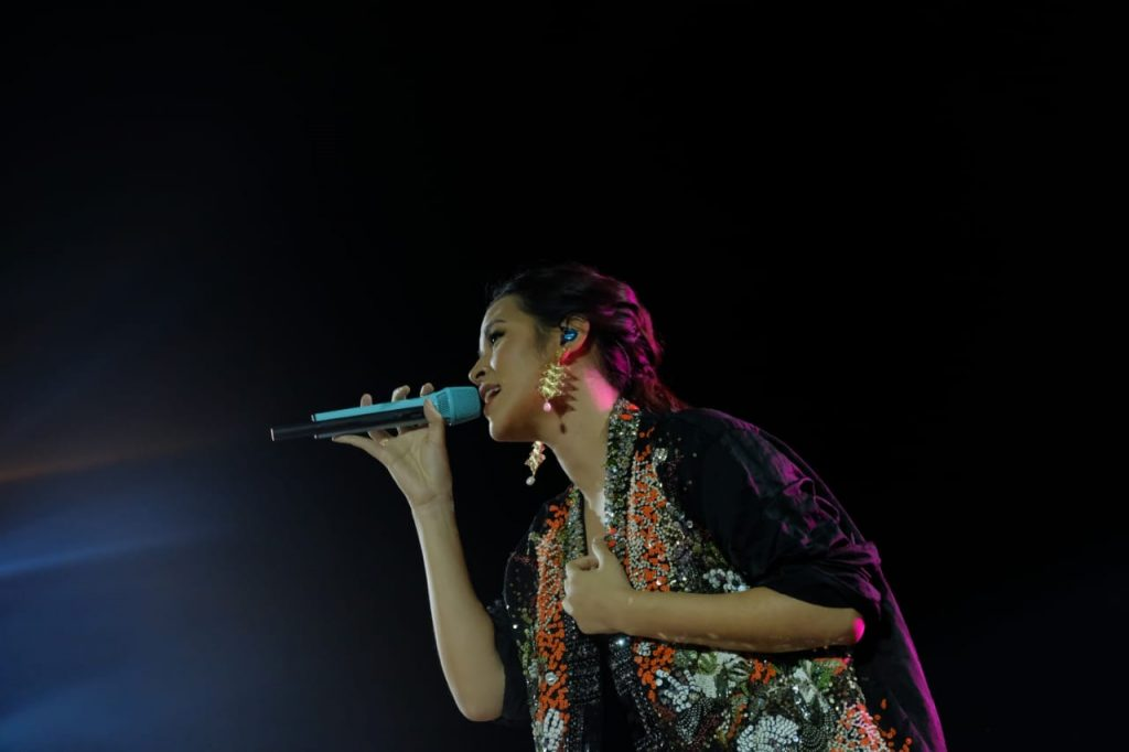 Penampilan Raisa, Photo By : Official BMF